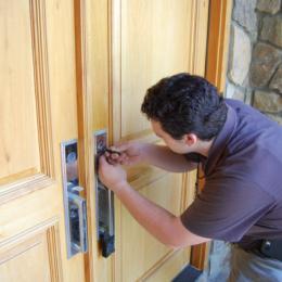 Best Ways To Find Locksmiths Online